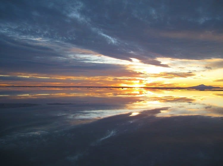salar de uyuni sunset4 Awash In Salt: Photos From Salar de Uyuni in Bolivia