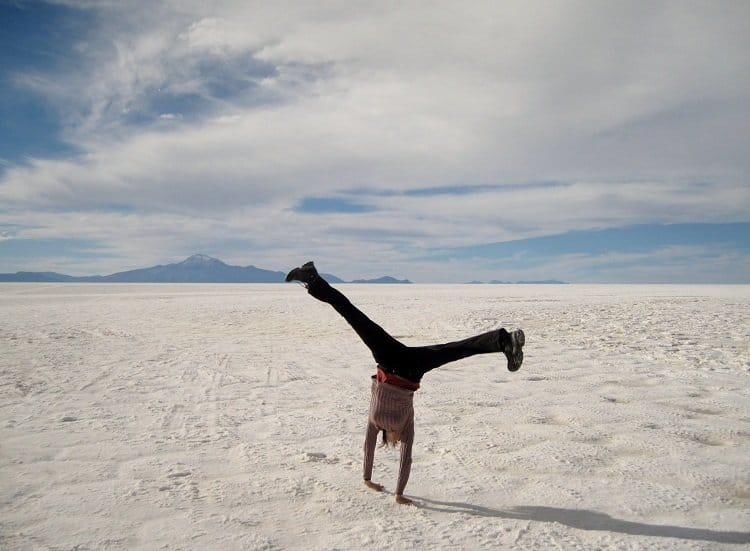 uyuni gymnastics Awash In Salt: Photos From Salar de Uyuni in Bolivia