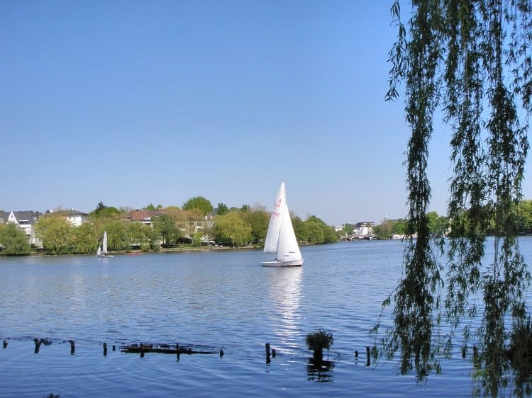 2 Alster Discovering Hamburg: The City on the Water