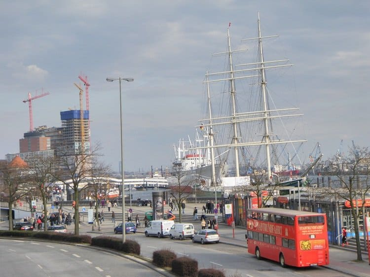 4 Port Discovering Hamburg: The City on the Water