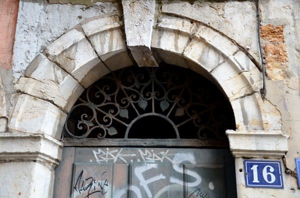 traboules doorway lyon