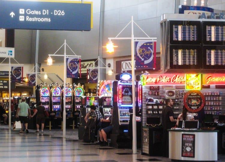 las vegas airport gambling