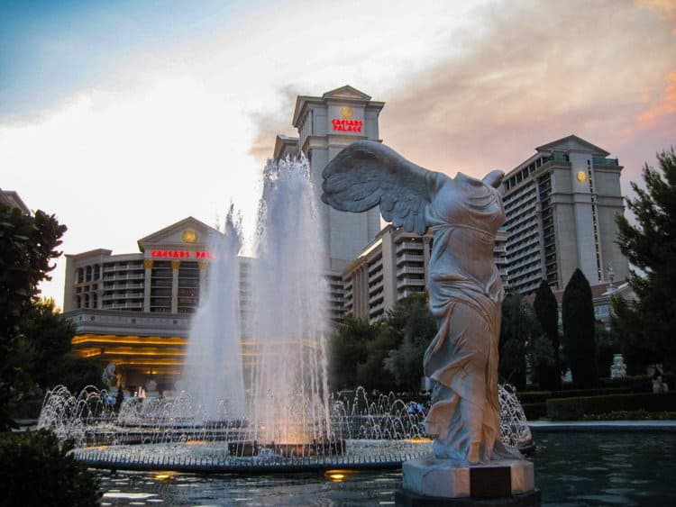 las vegas 41 10 Attractions In Las Vegas Besides Gambling