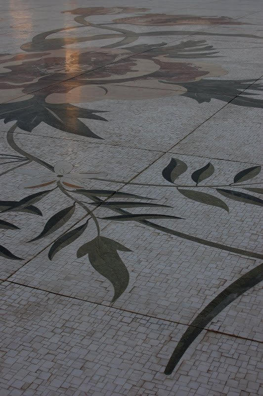Sheikh Zayed Grand Mosque floor