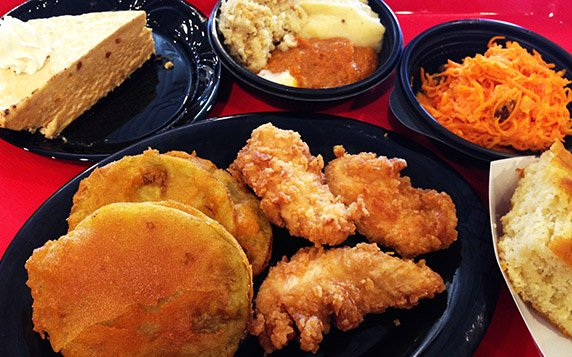 """Lunch at the original """"Fried Green Tomatoes"""" Whistestop Cafe, Irondale Alabama"""
