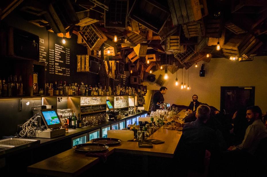 De Haus: Bar & Interior